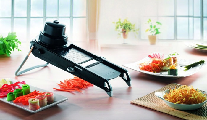 mandoline cuisine de buyer sur table